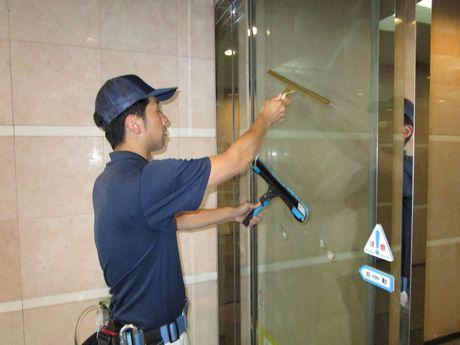 オフィスビルや老人ホーム等の定期清掃スタッフを募集。《JR東日本のグループ会社で勤務》