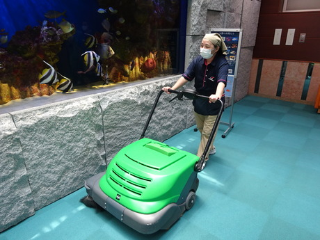 実績ある企業で、未経験から学べる本格的な清掃業。病院の衛生環境を守る清掃のプロになりませんか?